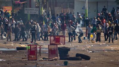 Investigan a la Policía Federal de México tras enfrentamiento con maestros que dejó seis muertos y más de 100 heridos