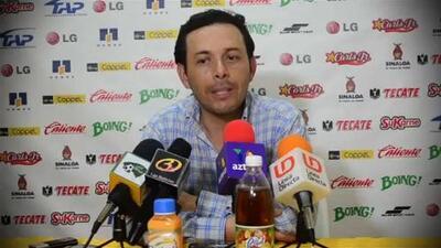 Fútbol de Estufa: El equipo camotero se reúne con el posible suplente del 'Chelís'