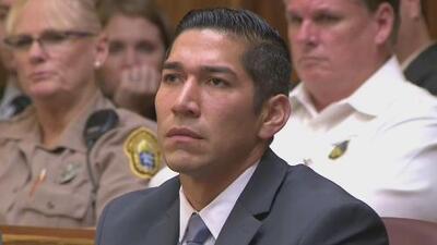 Declaran no culpable de intento de homicidio involuntario al oficial que disparó contra el cuidador de un joven autista