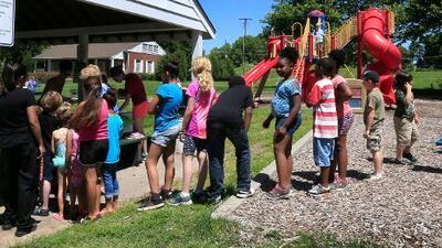 Ofrecen almuerzos gratis durante el verano para todos los niños de Chicago