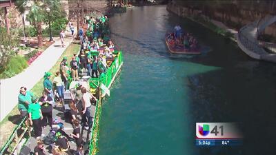 San Patricio viste de verde el Paseo del Río