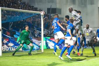 En fotos: Herrera y Tecatito superan con el Porto a Briseño y el Feirense
