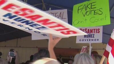 """""""Hicimos todo lo que pudimos"""": los testimonios de quienes sufrieron un sinfín de problemas al votar en el sur de Florida"""