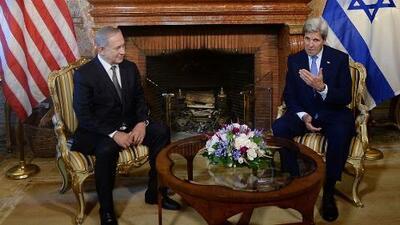 La guerra de palabras entre John Kerry y Benjamín Netanyahu sobre la solución de un Estado
