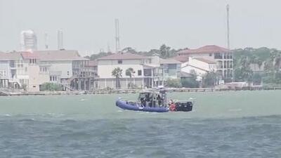Continúa la búsqueda de un hombre del que no se tiene rastro tras haber saltado a las aguas de Kemah