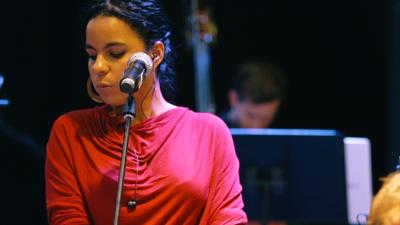 """Danay Suárez busca traer """"valores morales que son necesarios en la sociedad y en la música"""""""