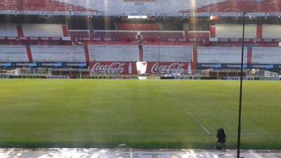 RIver Plate posterga su debut en la liga argentina por tormenta en el Monumental