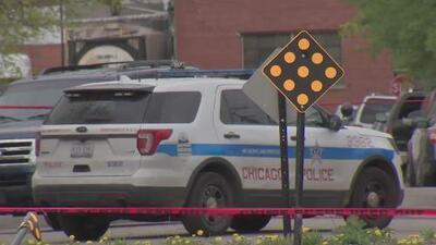 Habitantes de Chicago piden más seguridad de la policía tras tiroteo que dejó herido a un agente federal