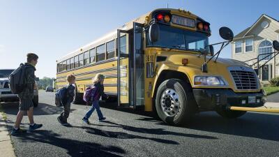 Siga estas medidas de seguridad y mantenga a salvo a sus hijos durante el regreso a clases en Miami