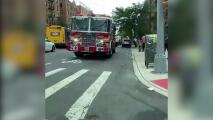 Madre lanza a sus hijos pequeños por la ventana de apartamento en Brooklyn y luego salta ella