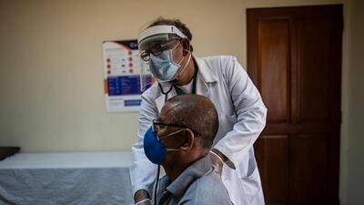 Ser 'macho' no implica saltarse las visitas al doctor: el mensaje de los oncólogos a los hombres hispanos