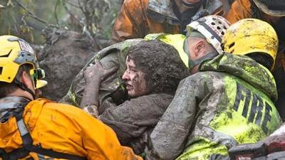 Rescatan a niña de 2 años sepultada por una avalancha de lodo causada por la fuerte tormenta en California