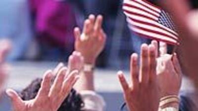 El servicio de inmigración de EU habló de ciudadanía con usuarios de Univision.com