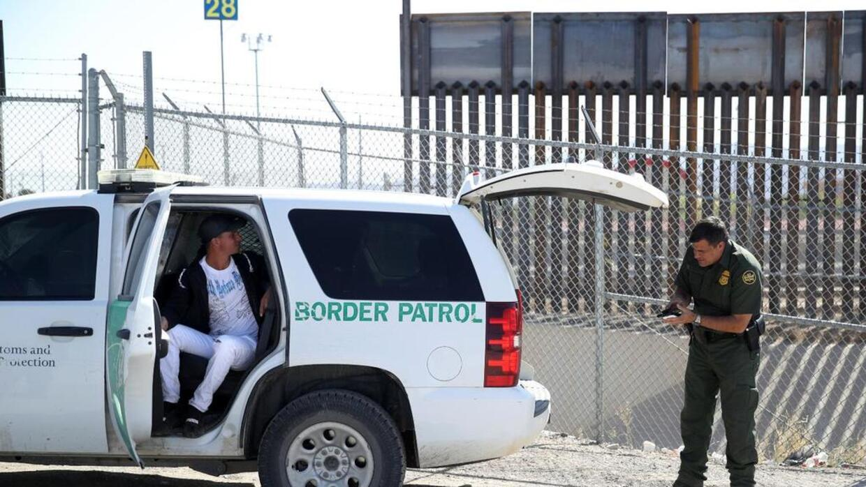 Why does the US Border Patrol prefer job applicants who haven't