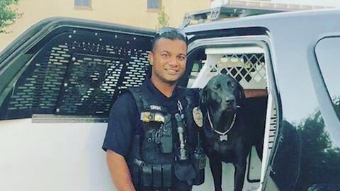 Con ofrendas, comunidad de Newman recuerda al oficial Ronil Singh que fue asesinado al norte de California