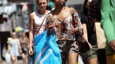 Mejoran los ingresos en EU, pero se contrae el consumo