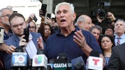 """""""No me declararé culpable"""": lo que dijo Roger Stone, exasesor de Trump, tras quedar en libertad bajo fianza"""