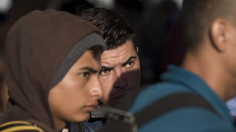 Tensión entre grupos de migrantes en Chiapas, México, mientras esperan poder continuar su camino a EEUU