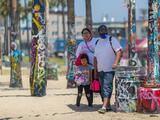 Calor, vientos e incendios fuera de temporada pueden ser adelanto de un verano de fuego en el sur de California