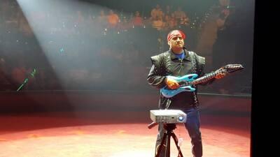 El Show de Raúl Brindis en el Circo en Houston