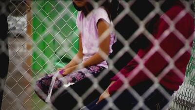 Los niños separados de sus padres en la frontera prefieren regresar a sus países que volver a vivir en centros de detención