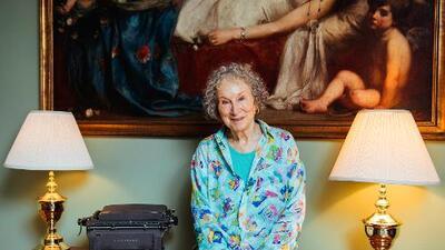 La escritora canadiense Margaret Atwood nos lleva de regreso a Gilead con su nuevo libro 'The Testaments'