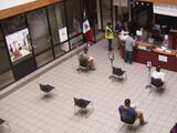 Crece inconformidad por escasez de citas, falta de pasaporte y matrículas en el consulado de México en Dallas
