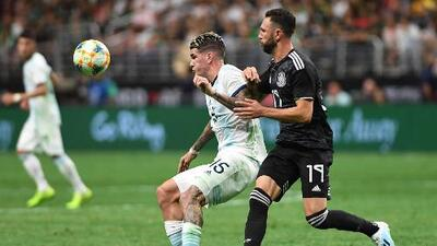 Miguel Layún da la cara tras derrota de México ante Argentina