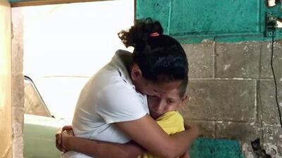 En medio de la crisis venezolana, esta madre busca ayuda para salvar la vida de su hijo enfermo de cáncer
