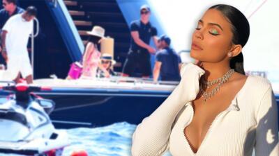 Las primeras fotos de las vacaciones millonarias de Kylie Jenner en un mega yate para celebrar sus 22 años