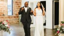 Jugadora de la WNBA se casa con el hombre que liberó de la cárcel