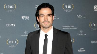 Alfonso Herrera nombrado 'Latino del año' en Harvard