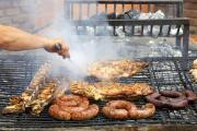 ¿Carne asada o comida en un restaurante?, expertos aclaran el nivel de riesgo de ciertas actividades ante el covid-19
