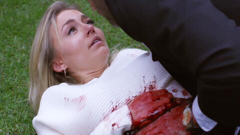 'Amar a muerte' - Lucía murió en los brazos de León - Escena del día