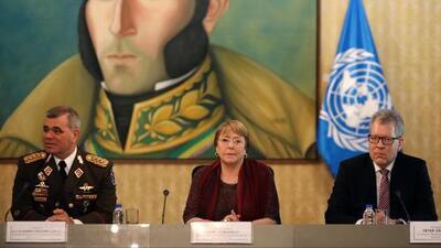 Segundo día de visita de Michelle Bachelet a Caracas transcurre en medio de protestas y una apretada agenda