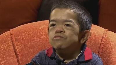 """Conquistó la fama como """"el hombre más pequeño del mundo"""", pero asegura que se olvidaron de él"""