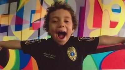 Comunidad en Houston le dio el último adiós a la niña que siempre soñó con ser parte de la policía