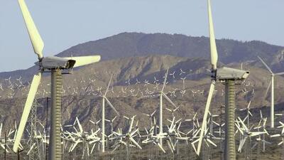 Se prevén fuertes ráfagas de viento para la noche de este viernes que soplarán hacia el sur de California