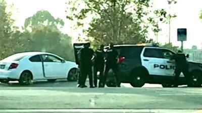 Sujeto habría usado a su bebé como rehén en medio de enfrentamiento con policías en California