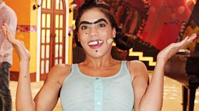 """""""Espesa y dulce"""", presentan a Mela La Melaza como la primera comediante de esta explosiva familia disfuncional"""