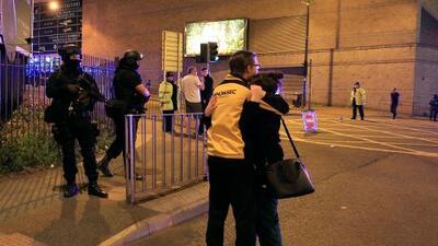"""""""Fue absolutamente aterrador"""": testimonios de la explosión en el concierto de Ariana Grande en Manchester"""