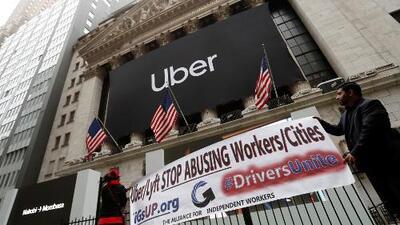 Uber debuta en bolsa con una caída y en medio de protestas de sus conductores por mejoras salariales