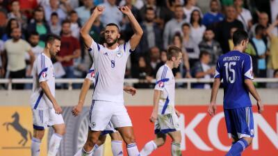 Bosnia-Herzegovina derrota 3-2 a Chipre de visita y se mete a la repesca de la Euro