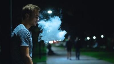 El uso de los cigarrillos electrónicos exige educación, no prohibición