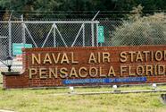 El atacante de la base aérea de Pensacola organizó una cena para ver videos de tiroteos la noche anterior
