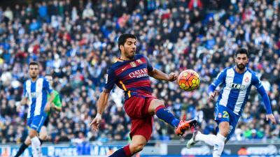 Luis Suárez podría ser suspendido por provocar pelea al finalizar el Barça vs. Espanyol