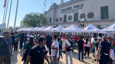 La gente lista para la final de la Copa Oro y con toda la emoción para el partido México contra Estados Unidos
