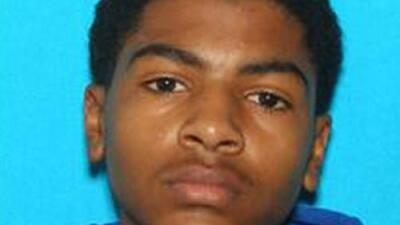 El joven que mató a sus padres en la universidad usó un arma de la familia y estuvo horas antes en el hospital
