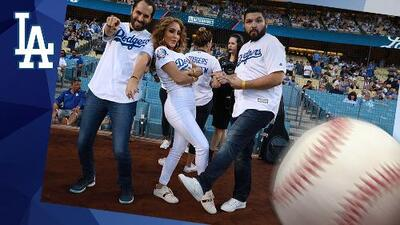 """""""It's time for Dodgers Baseball"""" con El Free-guey"""