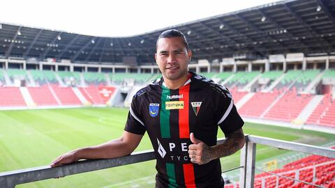 'Gullit' Peña manda saludos a los mexicanos desde Polonia